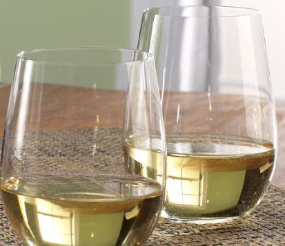 Wine Tumblers - A Good Way to Avoid Stemware Spills 9