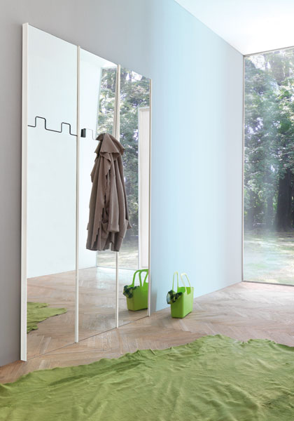 Gronda : The Wall Mirror / Clothes Hanger from Pallucco