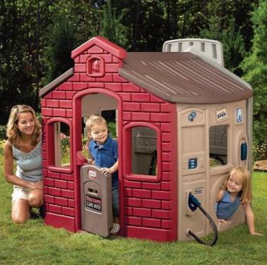 playhouses outdoor plastic.jpg
