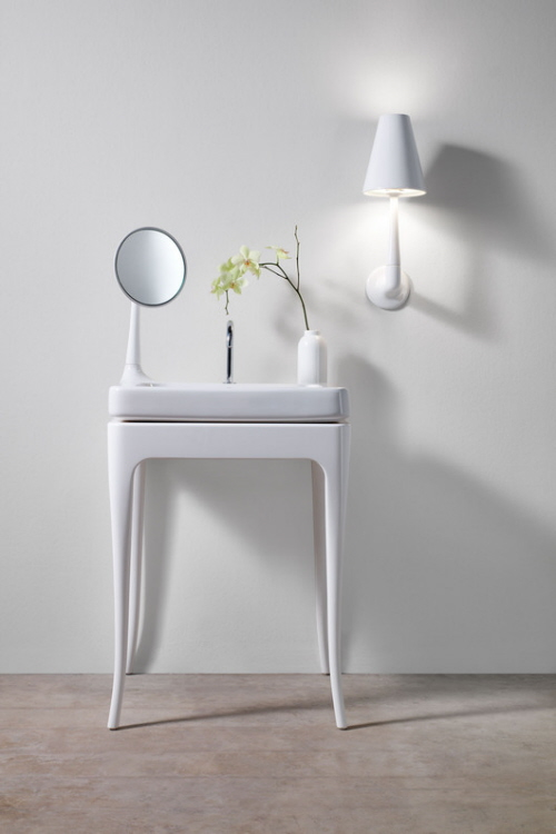 bathroom white tables