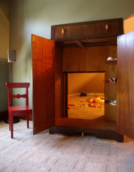 Narnia-like Secret Game Room Is a Great Gift Idea For Your Kids