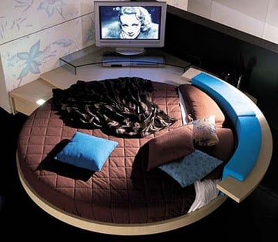 10 Of The Coolest High Tech Beds 9