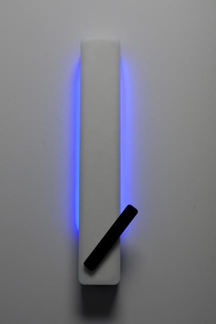 Evanescent Clock by Zachary Smith Tells Time with Sound and Light 5