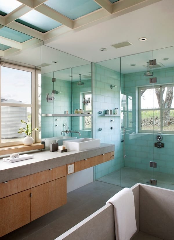How to Infuse Your Bathroom With Spa Amenities