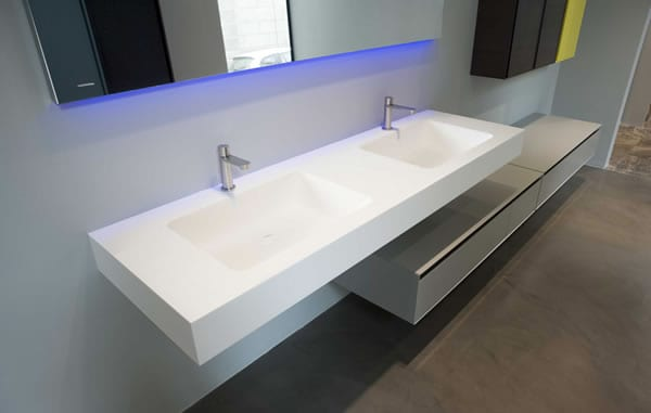 Arco countertop in a double basin