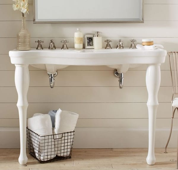 Country style bathroom sink