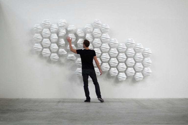 Talking to a wall: HEXI the responsive wall