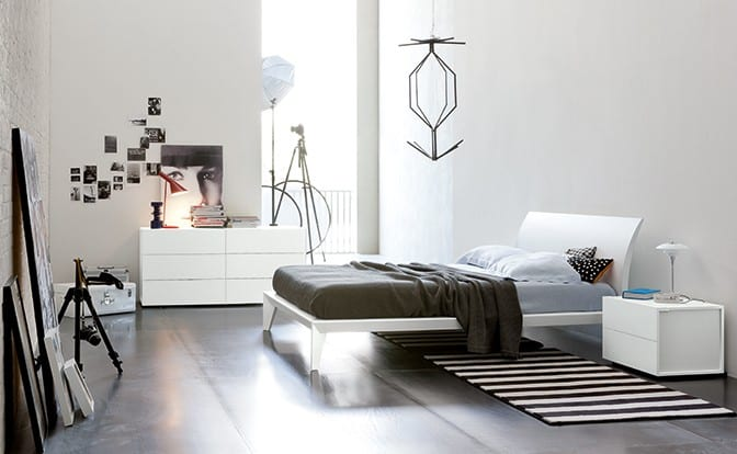Prince-white-laquered-wood-bed