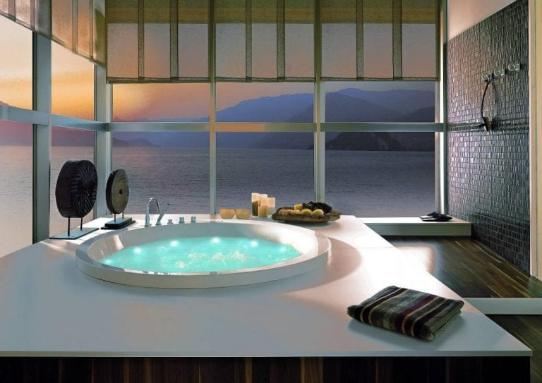 Soleil Round Bathtub by System Pool