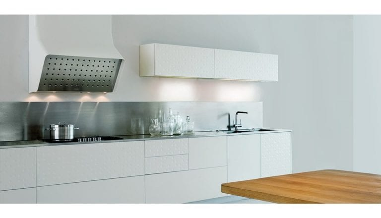 white-modern-kitchen-by-Alfredo-Häberli-for-Schiffini