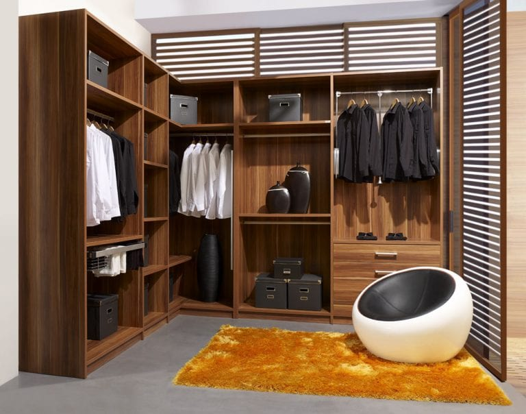 classic-italian-walk-in-closet-design