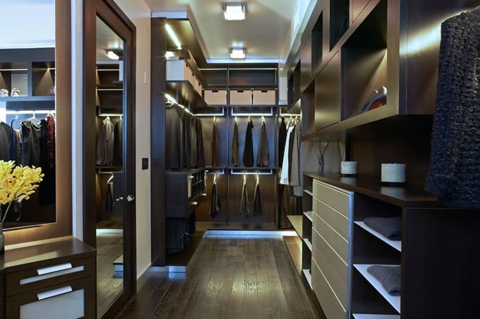contemporary-walk-in-closet