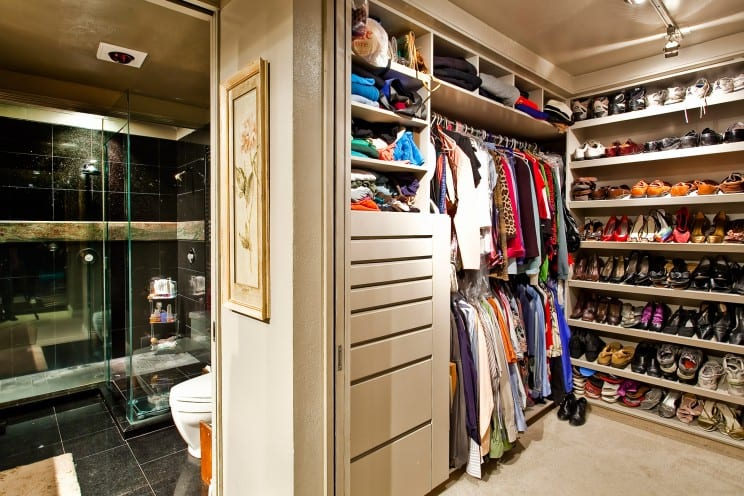 walk in closets with shoe storage racks