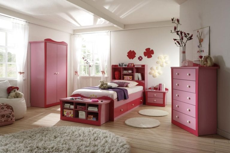 13 Decorative Girls Bedroom Designs and Photos 7
