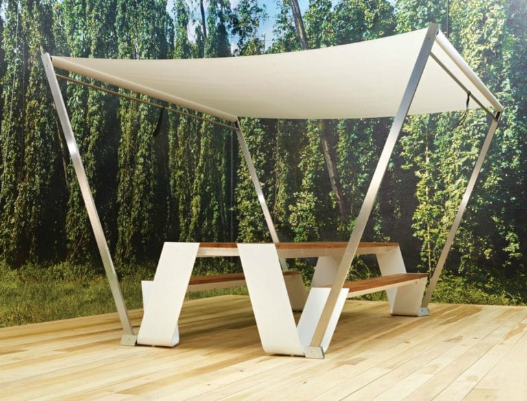 extremis hopper table and sun shade