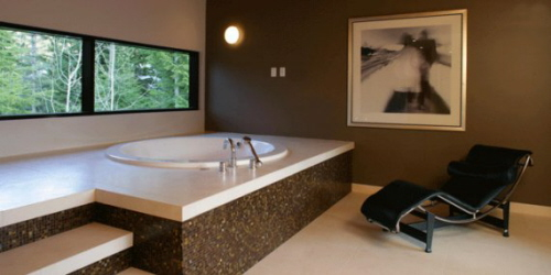 garden tub with granite