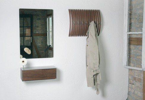 ENTRY WAY FURNITURE CLOTHES AND COAT RACK