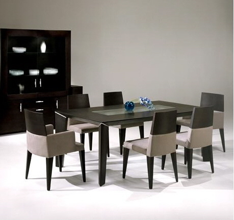 dining tables and dining chairs