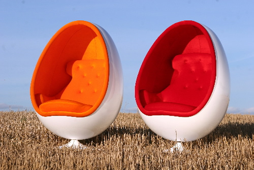 Thor-Larsen's OVALIA Egg Chair Re-Released in Limited Quantity